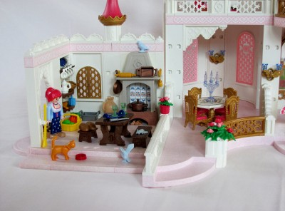 Playmobil fairy tale 4250 magic castle 4251 kitchen 4255 for Chateau playmobil 4250