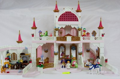 Playmobil 4250 fairy tale princess magic castle 4251 for Chateau playmobil 4250