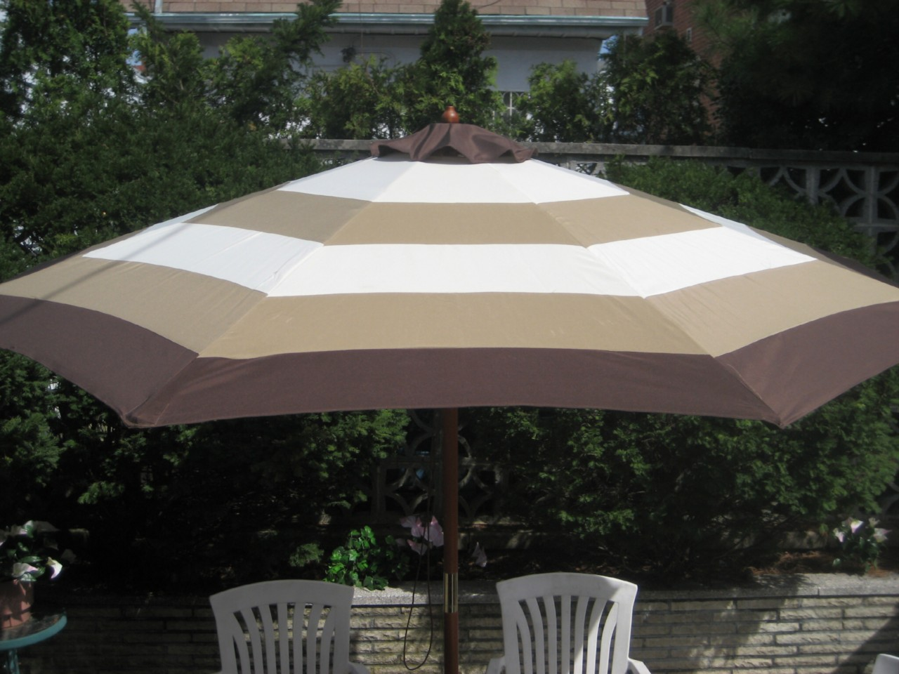 Striped Patio Umbrellas | Beso.com
