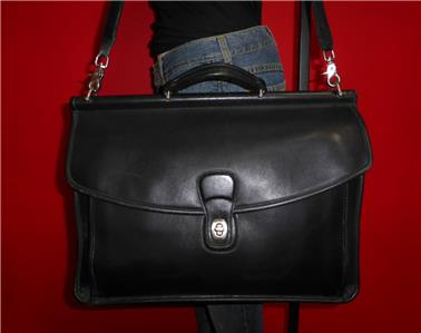 classic coach bags outlet  has a classic