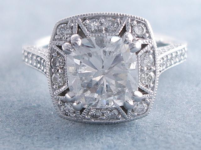 2 62 CARATS CT TW CUSHION CUT DIAMOND ENGAGEMENT RING F SI2