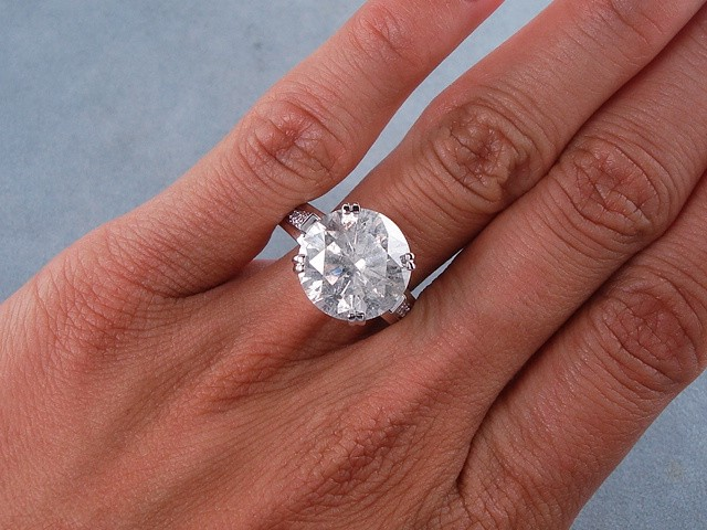 7 25 CARATS CT TW ROUND CUT DIAMOND ENGAGEMENT RING H SI3 I1