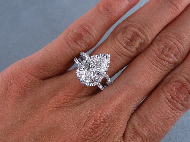 3 81 CARATS CT TW PEAR SHAPE DIAMOND ENGAGEMENT RING D SI1