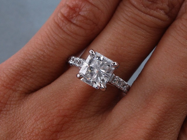 2 12 Carats Ct Tw Radiant Cut Diamond Engagement Ring G Si1