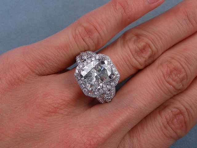 6 71 CARATS CT TW CUSHION CUT DIAMOND ENGAGEMENT RING G SI3