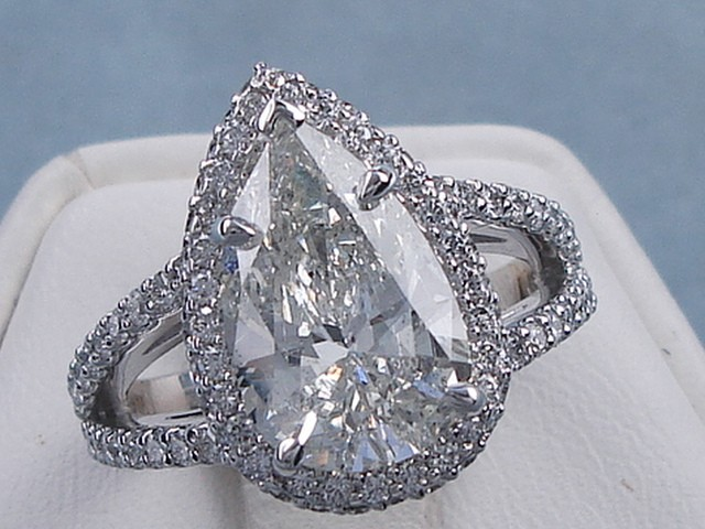 3 80 CARAT CT TW PEAR SHAPE DIAMOND ENGAGEMENT RING H SI2