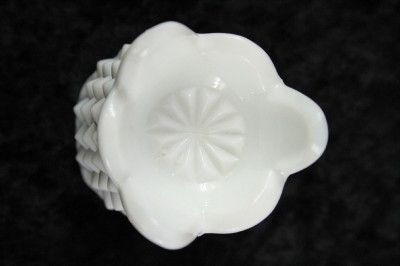 Green milk glass/ Hobnail glass - Pinterest