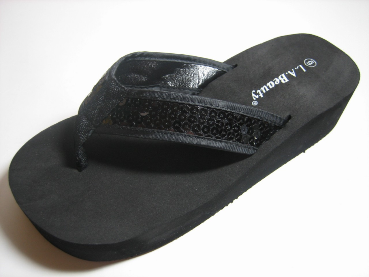 Shop our collection of women's sandals online at Macy's. Browse the latest trends and view our great selection of flip flops, slip-ons, and more.