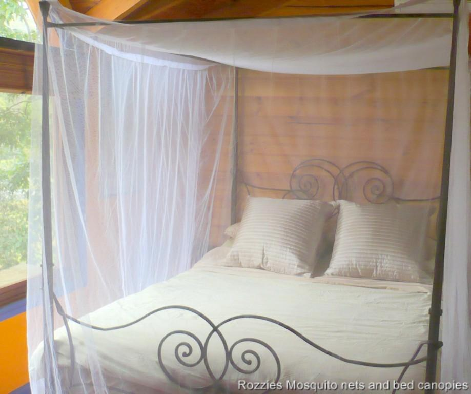 ... WHITE-4-POSTER-POLYESTER-MOSQUITO-NET-BED-CANOPY- : canopy netting for beds - memphite.com