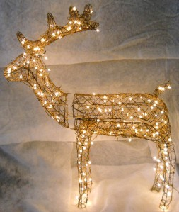Grapevine animated buck reindeer lighted christmas deer for Animated lighted reindeer christmas decoration