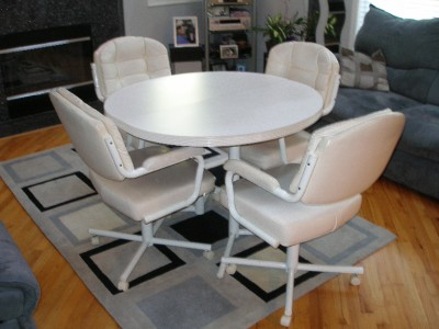 white dinette kitchen dining table chairs swivel wheels set