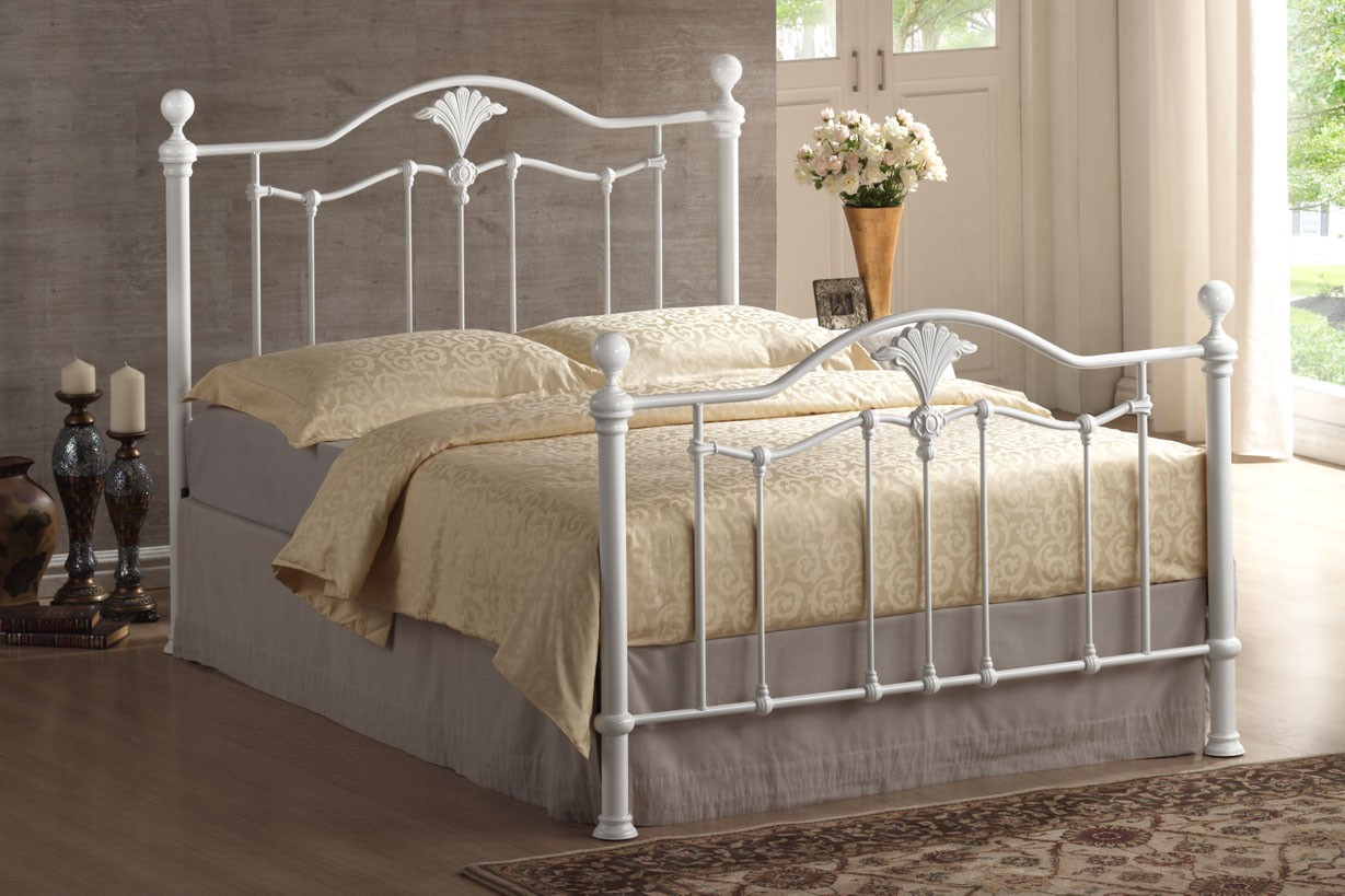 Luxury bed frames 28 images 1000 ideas about luxury for Exotic bed frames
