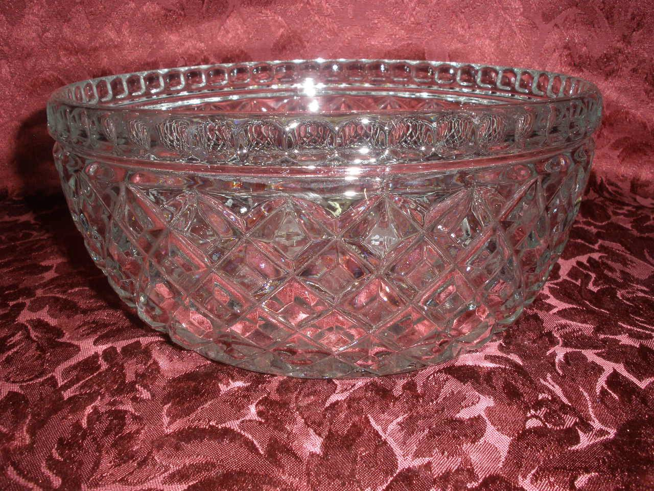 STUNNING-DEPRESSION-GLASS-PATTERNED-BOWL