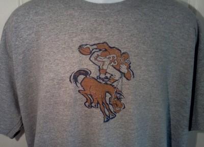 Denver BRONCOS 1960s Throwback Logo NFL Football T Shirt Large