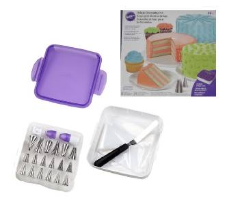 WILTON DELUXE DECORATING SET 46 pieces CAKE 18 Unique Tips ...