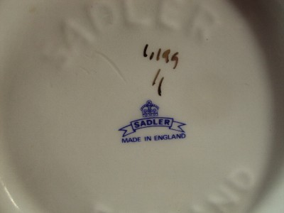 Sadler China Made in England http://www.popscreen.com/p/MTI5Mjg4NDYz/ANTIQUE-SADLER-ENGLAND-TEA-POT-MADE-OF-A-FINE-BONE-CHINA-eBay