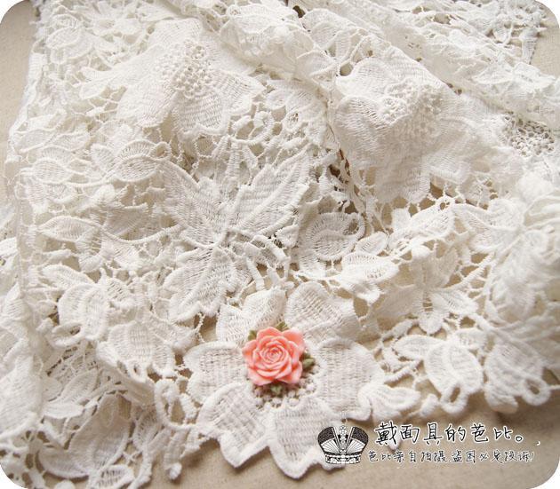 1 yard of victorian bridal wedding dress floral white lace for White lace fabric for wedding dresses