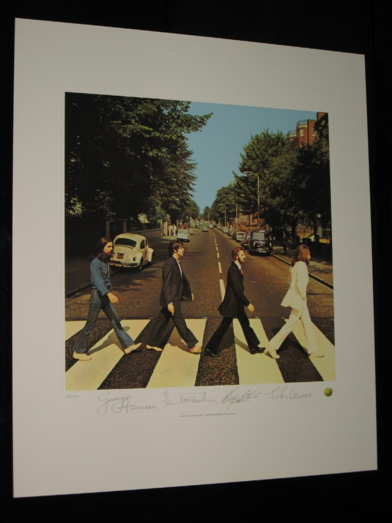 THE-BEATLES-ABBEY-ROAD-PLATE-SIGNED-MUSEUM-STYLE-LITHOGRAPH