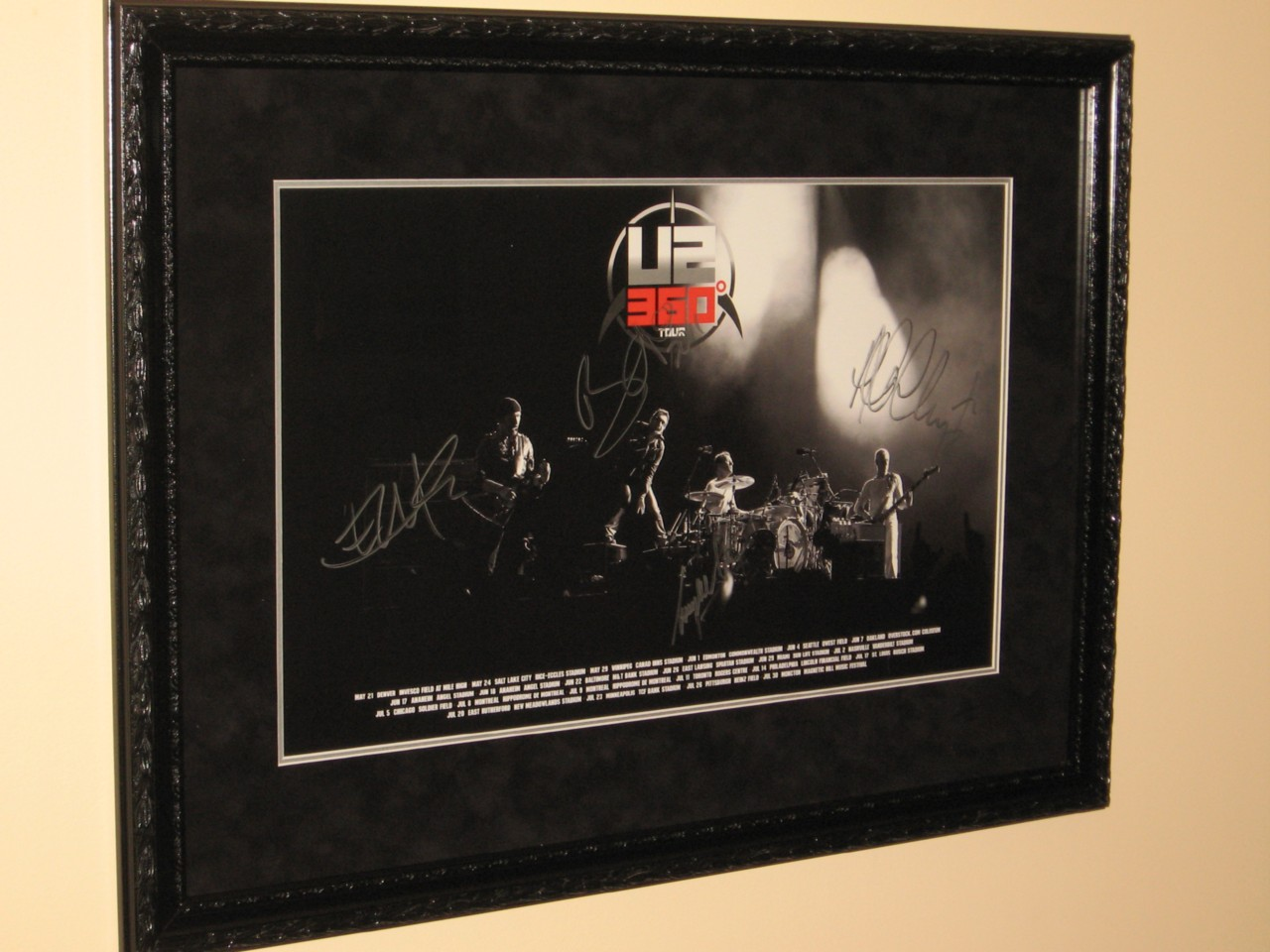 U2-FULLY-SIGNED-FRAMED-360-DEGREES-TOUR-POSTER-EXTREMELY-RARE