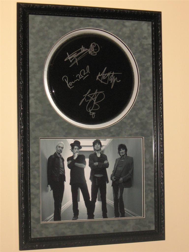 THE-ROLLING-STONES-FULLY-HAND-SIGNED-13-INCH-DRUMHEAD-DISPLAY-VERY-RARE