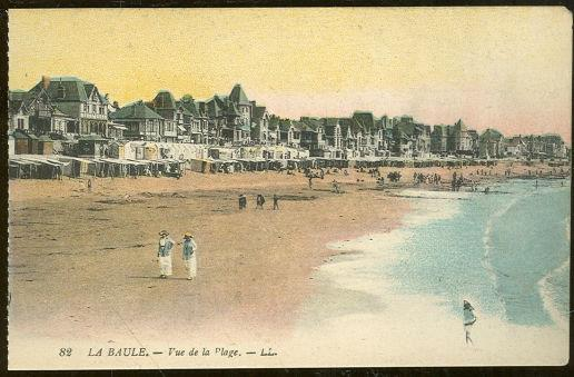 BEACH AT LA BAULE FRANCE VUE DE LA PAGE, Postcard