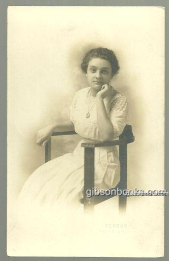 REAL PHOTO POSTCARD OF LOVELY LADY SITTING IN CHAIR, Postcard
