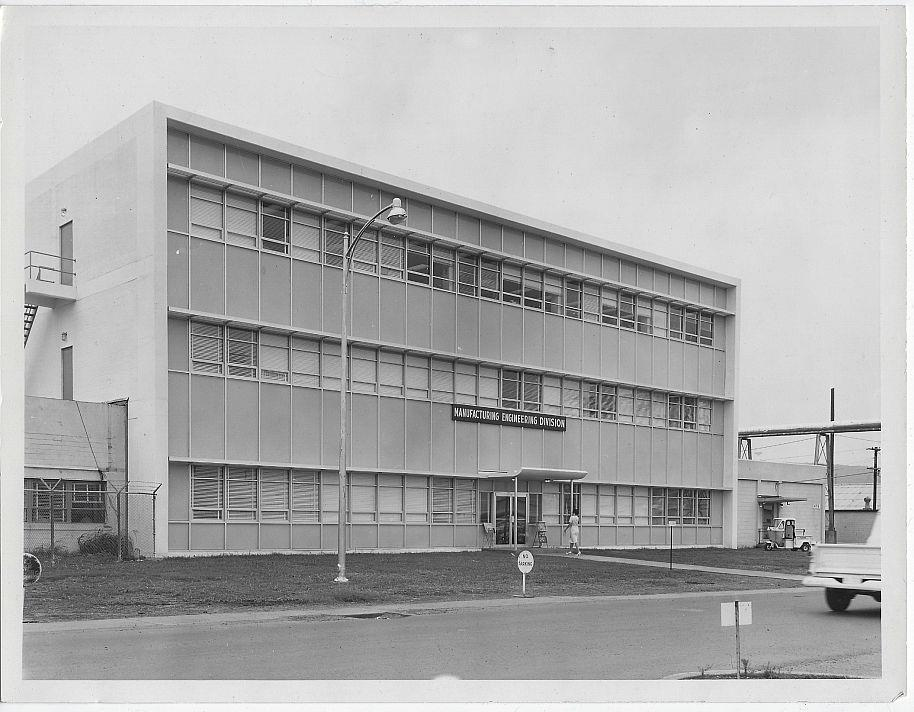 ORIGINAL PHOTOGRAPH OF MANUFACTURING ENGINEERING DIVISION BUILDING, MARSHALL SPACE FLIGHT CENTER, Photograph