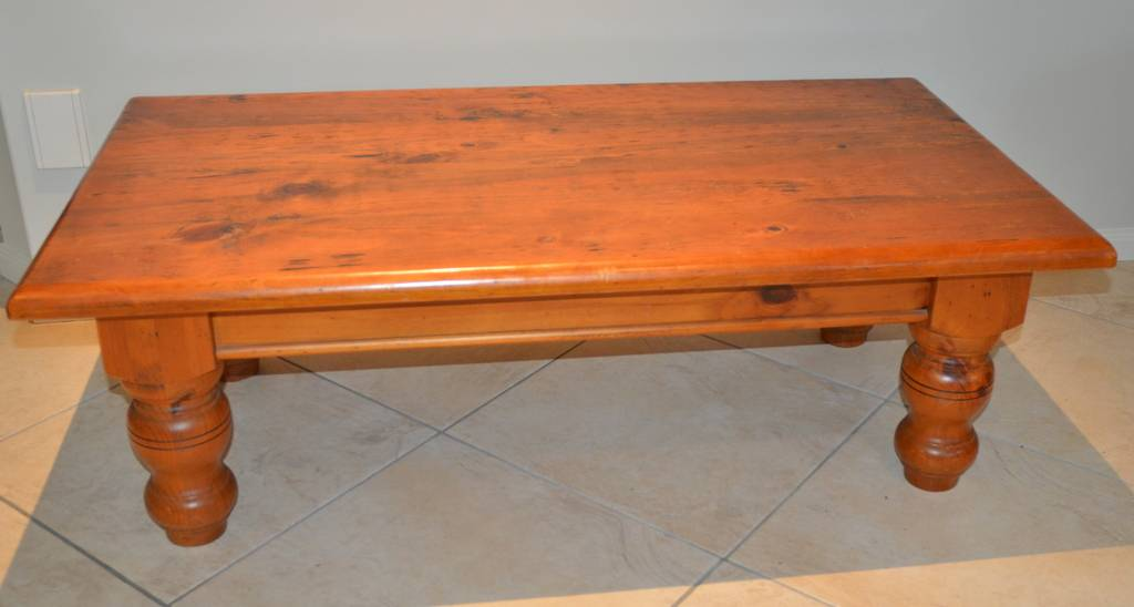 Rectangular heavy solid pine coffee table pick up wishart for Table for 6 brisbane