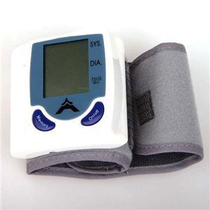 Цифровой прибор для измерения артериального давления и пульса.