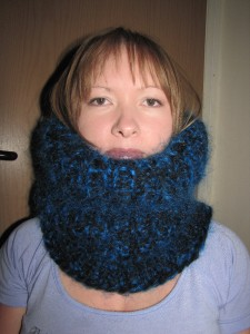 Mohair Wool Fetish http://www.ebay.com/itm/THICK-FETISH-BLUE-BLACK-HAND-KNITTED-MOHAIR-WOOL-TUBE-COLLAR-SCARF-/280755160815