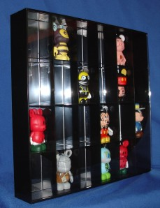 vinylmation chaser 24 slot shadow box display case new. Black Bedroom Furniture Sets. Home Design Ideas