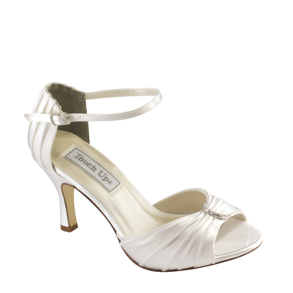 dyeable touch ups shoes robin in white bridal evening prom. Black Bedroom Furniture Sets. Home Design Ideas