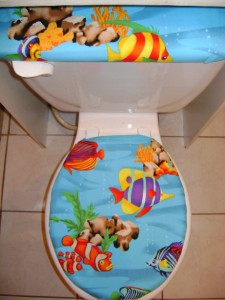 Tropical fish ligth blue sea ocean toilet seat cover set for Fish toilet seat