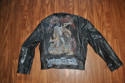 DESCRIPTION:This is an original authentic RARE vintage 1980s heavy motorcycle leather jacket with metallica, judas priest, skid row, megadeath all on the