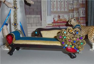 Miniature chaise longue peacock inspired egyptian art deco for Art nouveau chaise longue