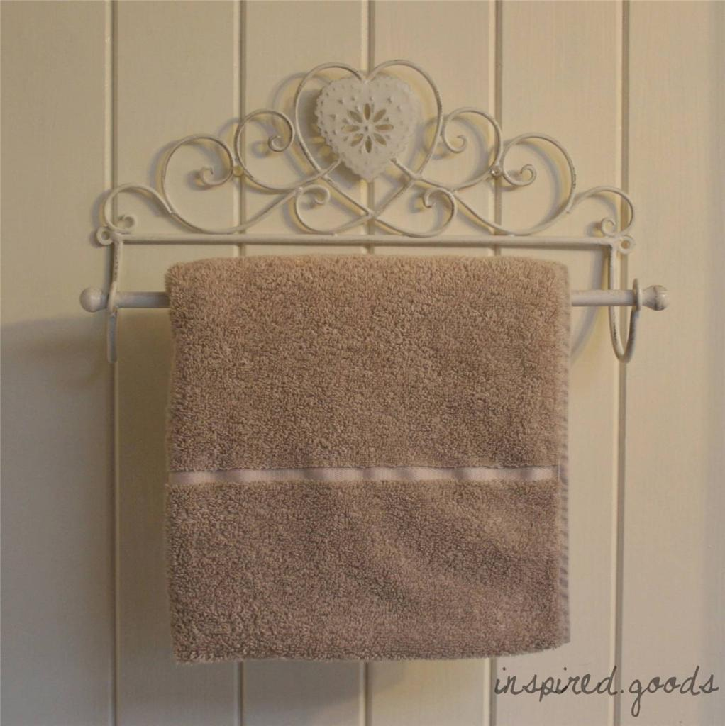 Vintage metal heart towel rail shabby chic bathroom for Shabby chic towel stand