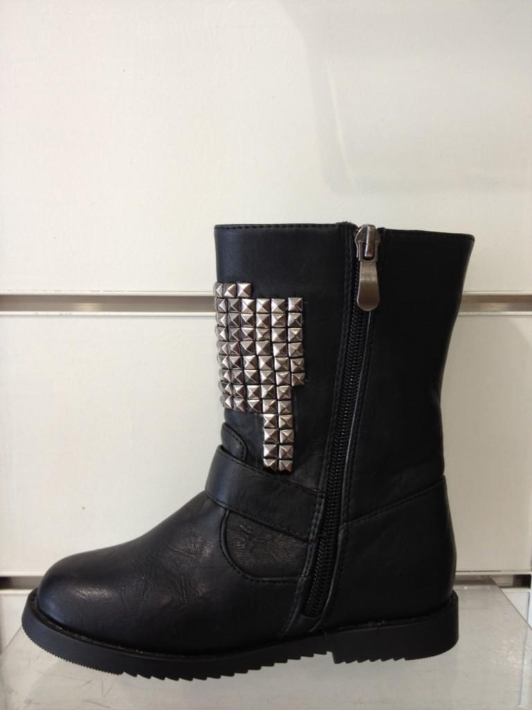 bottes bottines boots enfants clous cloutees fourrees neuf. Black Bedroom Furniture Sets. Home Design Ideas