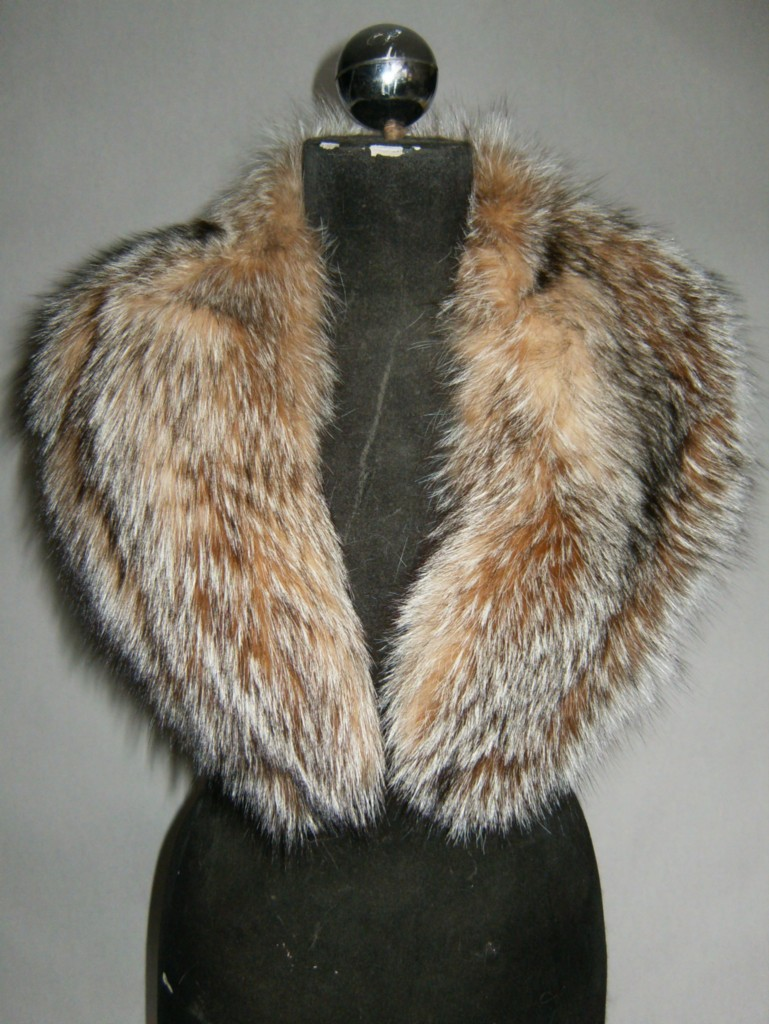 women;s fox fur collar line with satin