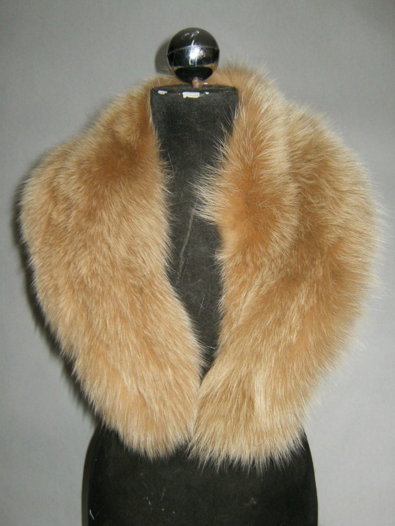 fox fur collar black and white for women