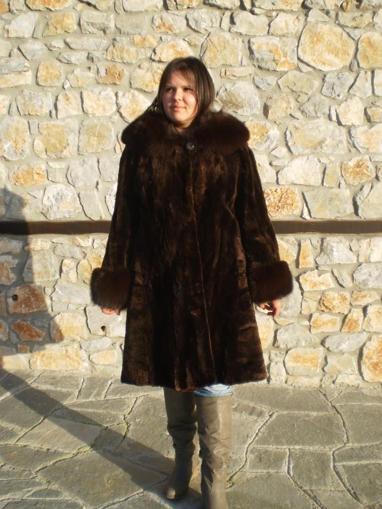 brown beaver fur coat 3/4 length