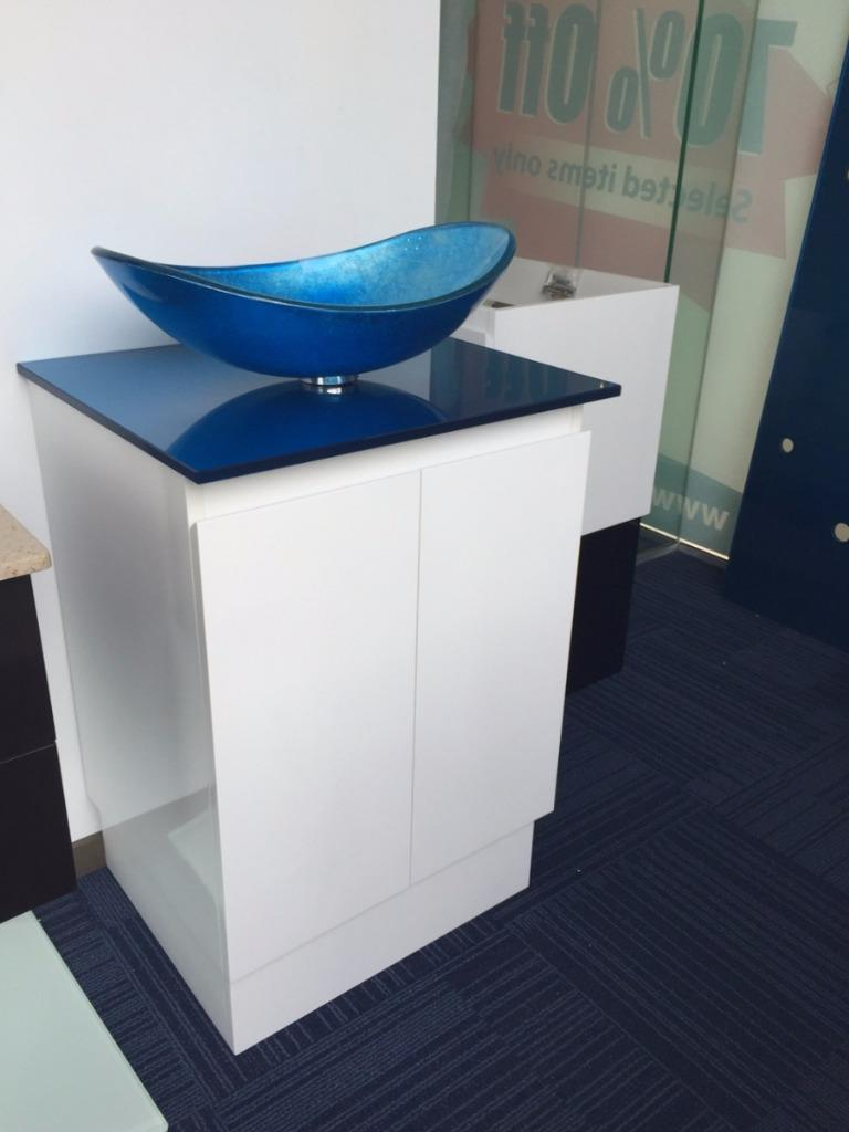 Single Bathroom Vanity Unit 600mm Art Glass Basin And Top