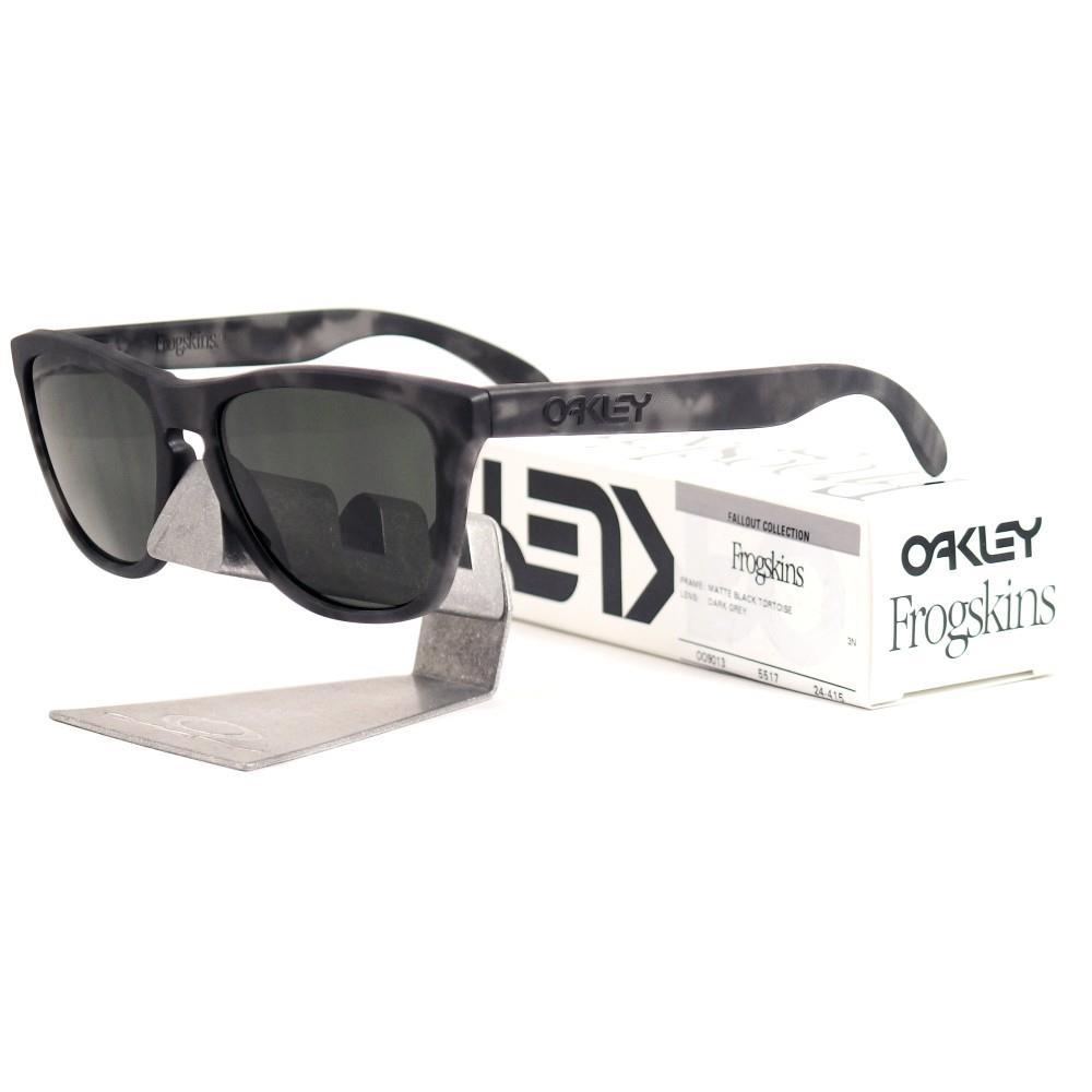 20930a9fd2 Oakley Frogskin Matte Black Grey