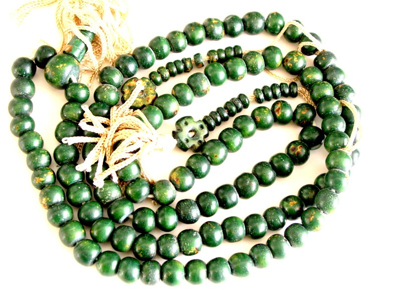 NEW-LONG-LENGTH-HANDMADE-TIBETAN-MALA-BUDDHIST-PRAYER-BEADS-GREEN-YAK-BONE