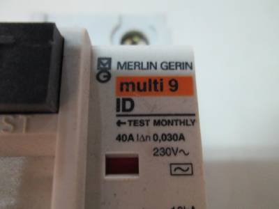 merlin gerin multi 9 id 23014 e0042 140 circuit breaker ebay. Black Bedroom Furniture Sets. Home Design Ideas