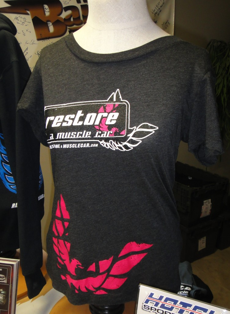 NEW-Womens-Restore-a-Muscle-Car-T-Shirt-GRAY-PINK