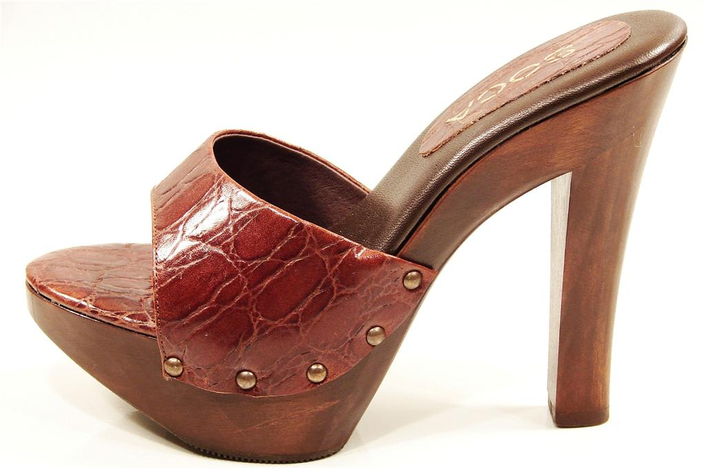 Absolutely wood platform high heel sandals not