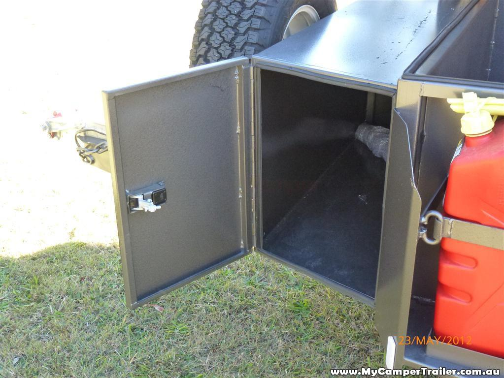 Fully integrated lockable storage box