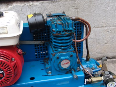 Emglo 5 5 honda motor gas air compressor nice unit ebay for Air compressor gas motor