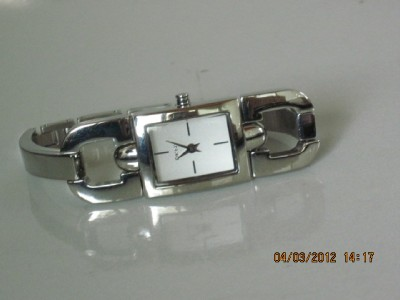 DKNY Women's Stainless Round Link Silver Dial Bracelet NY3196 Watch