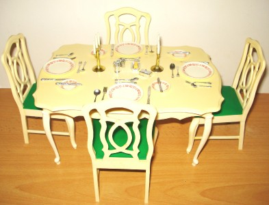 Sindy 1980 Scenesetter Dining Table & Chairs With Original ...